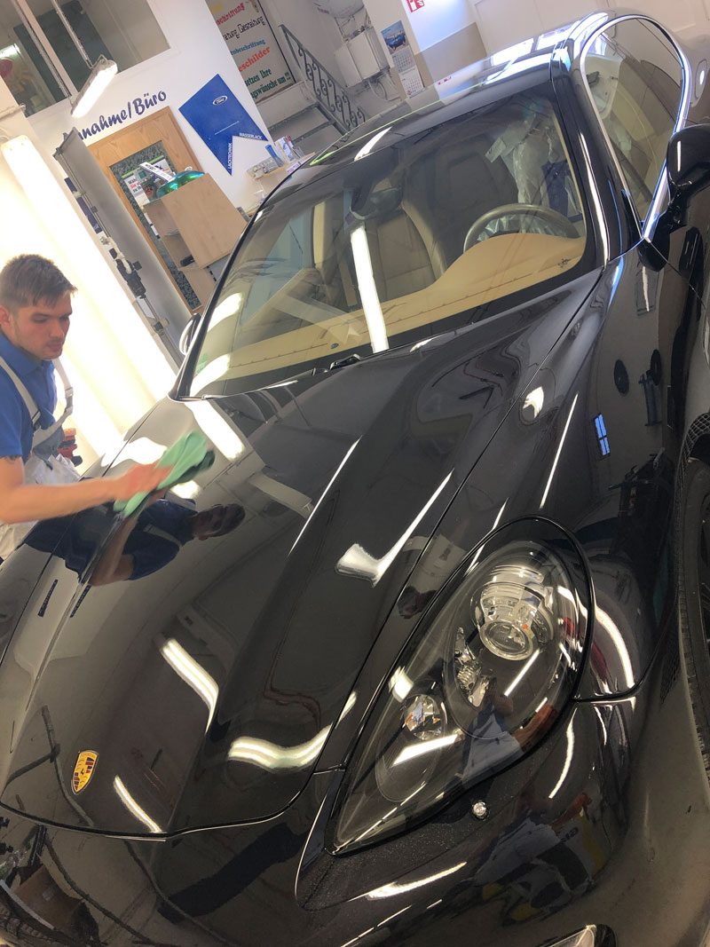 Fahrzeuglackierung und Spotrepair